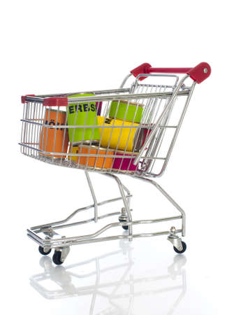 Shopping cart with vegetable cans Banque d'images