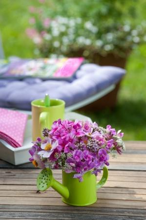 물을 수있는 다채로운 꽃 스톡 콘텐츠