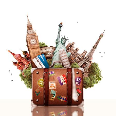 Viajes, collage turístico con atracciones mundiales y maleta Foto de archivo