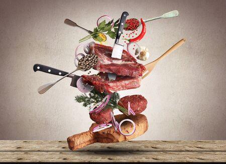野菜や調理器具で肉や牛肉のミートボール 写真素材