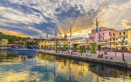 Harbor and village Porto Azzurro, Elba islands, Tuscany, Italy 免版税图像