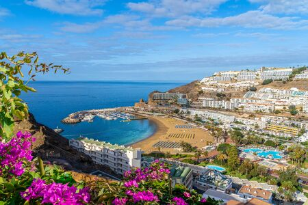 Landscape with  Puerto Rico village and beach on Gran Canaria, Spain 版權商用圖片