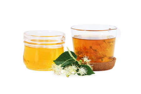 Tilia in fiore per tè e miele