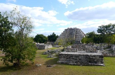 roo: mayan ruins pyramid culture mexico Mayapan Quintana Roo