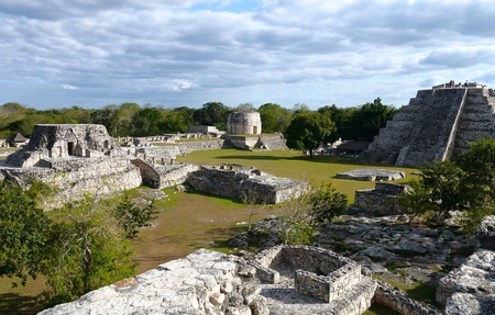cultura maya: ruinas mayas cultura pirámide México Mayapán Quintana Roo Foto de archivo
