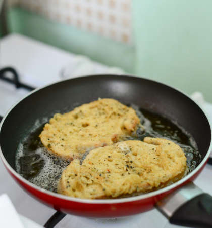 sizzle: Egged Breads Sizzle in frypan