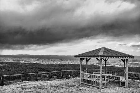 tuinhuis: Zomerhuis op de heuvel