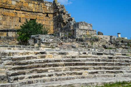 pamukkale: Pamukkale phrygia hiearpolis apollon temple