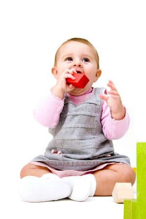 귀여운 아기 블록 놀기