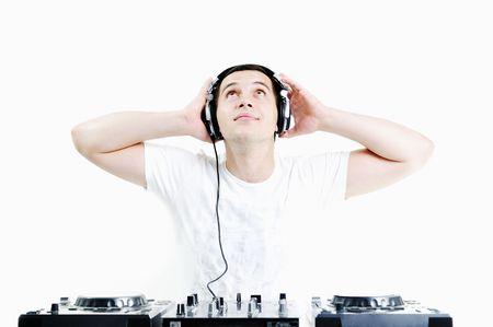 dance music: dj jonge man met een koptelefoon en compact disc dj apparatuur Stockfoto