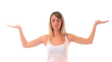 adn: una mujer joven caber en la camisa blanca la meditaci�n y el yoga ejercicio aislado