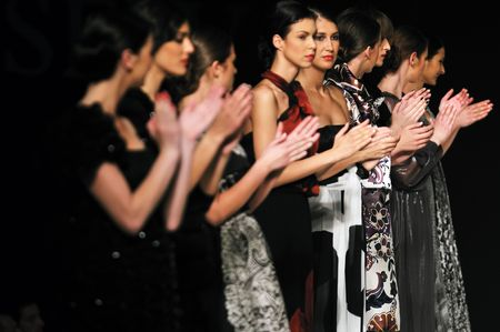 applauding: applause people group on fashion show