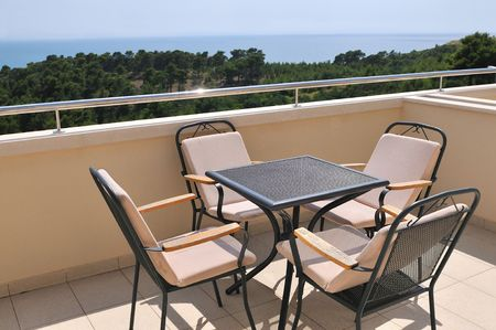 forniture: Entre muebles en hotel del mar
