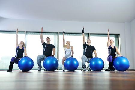 Jugendliche gesund Gruppe Übung Fitness und Fit zu bekommen