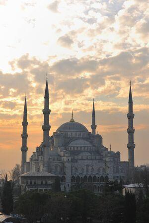 Belle ancienne mosquée à istambul le coucher de soleil  Banque d'images