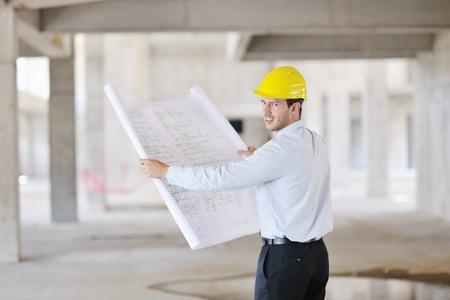Construction Project Geschäftsmann Architect Ingenieur-Manager auf der Baustelle