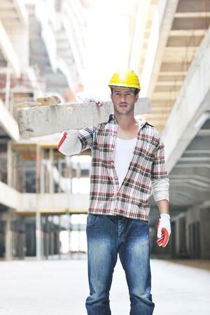 hard worker: Ritratto di persone bello duro lavoratore presso il sito concstruction Archivio Fotografico