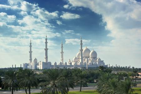 sheikh: sheikh zayed mosque, abu dhabi, uae, middle east