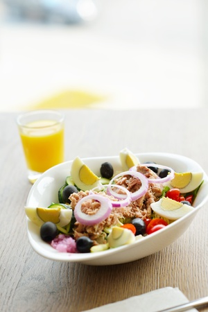 healthy food salad wiht vegetables and tuna fish Stock Photo - 15096921