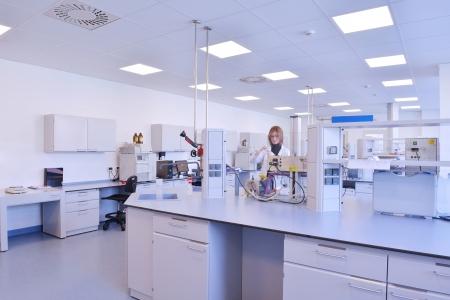 investigador cientifico: grupo de cient�ficos que trabaja en el laboratorio Foto de archivo
