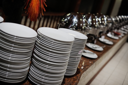 buffet food: catering buffet Piscina cubierta comida en el restaurante de lujo con carne de frutas y verduras