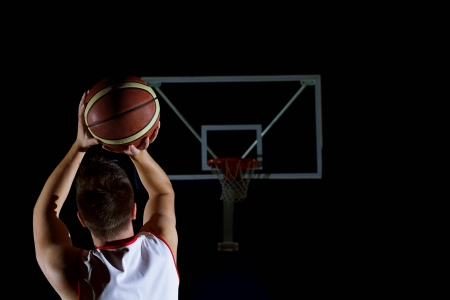 액션 농구 게임 스포츠 선수 검은 배경에 고립 스톡 콘텐츠 - 21393312