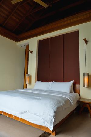 Interior design: Big modern Bedroom photo