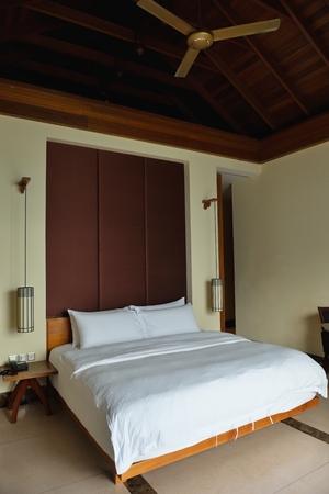 Interior design: Big modern Bedroom Stock Photo - 24451860