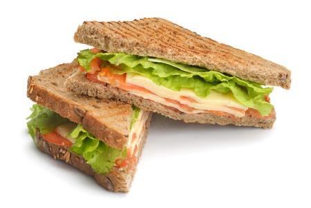신선한 샌드위치 흰색 배경에 고립 된 야채와 고기 생선 닫습니다