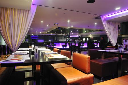 モダンなデザインのクラブ レストラン バーの室内 写真素材