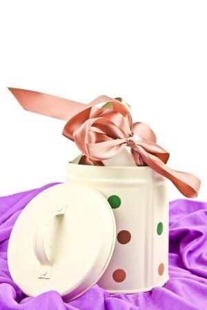 Farbbänder für Geschenkpapier. Close up auf weißem Hintergrund Standard-Bild - 10925854