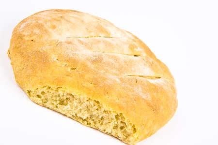 Frisch gebackenes hausgemachtes Brot. Close up auf weißem Hintergrund Standard-Bild - 10925862