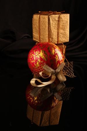 Weihnachtsdekoration. Close up auf schwarzem dunklen Hintergrund Standard-Bild - 11310113