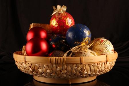 Weihnachtsdekoration. Close up auf dunklem Hintergrund schwarz Standard-Bild - 11310115