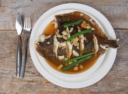 Chinesische Fischsuppe Standard-Bild - 58316168