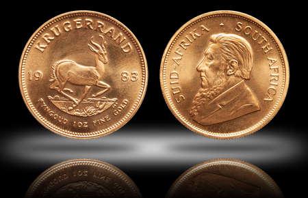 South African Krugerrand 1 ounce gold bullion coin gradient background Standard-Bild