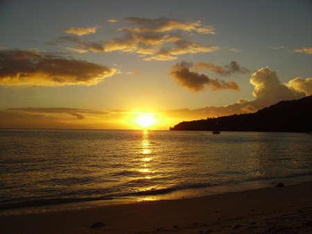 Tramonto a Huahine, Polinesia Francese