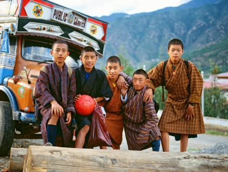 PARO, BHUTAN - OKTOBER 2005  Children of Bhutan  Football team