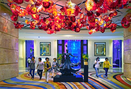 cristal: Macau - November 20, 2015: Main entrance to MGM hotel and casino. Cristal Chandelier Editorial
