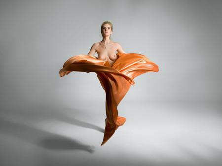 Mode naakt model poseren