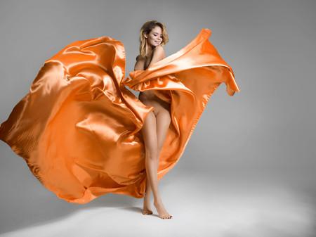 패션 누드 모델 포즈
