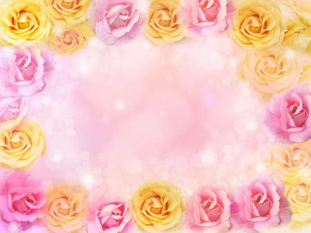 mooie roze en gele rozen bloemen grens en frame achtergrond voor valentijn Stockfoto