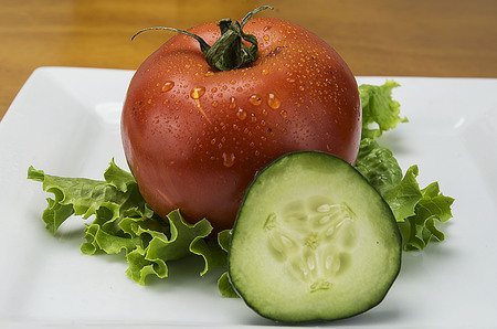 tomato with lettuce and a cucumber
