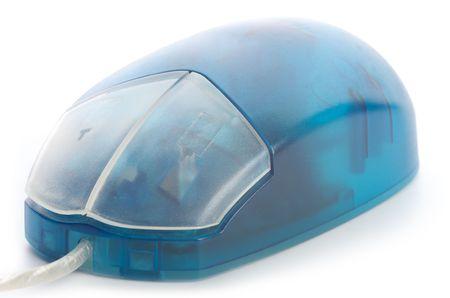 ブルーの半透明マウスを白で隔離
