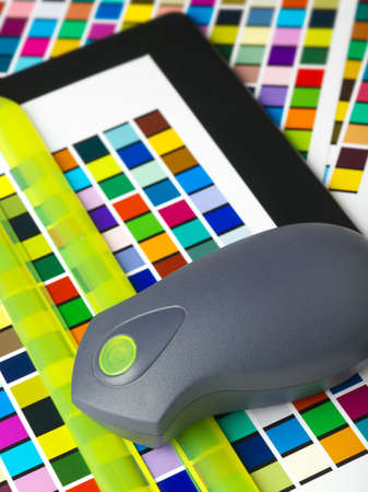 Creating printer color profiles using a spectrophotometer to read color patches