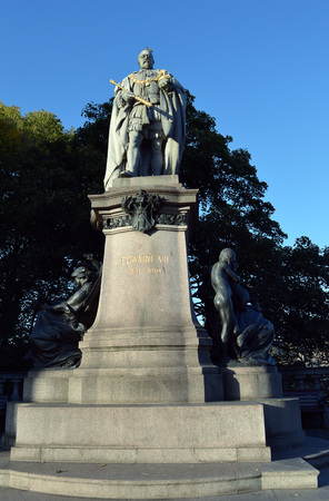 king street: Statue of King Edward VII, above Union Terrace Gardens, Union Street, Aberdeen