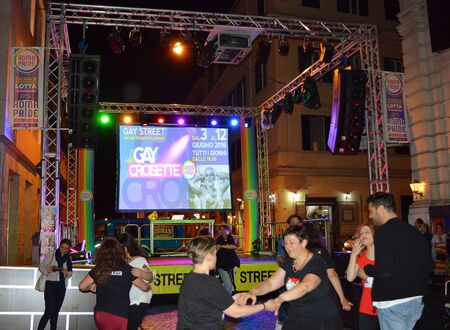 homosexuales: ROME, ITALY - 7 JUNE 2016: Gay Street, part of Rome LGBT festival, Roma Pride, in San Giovanni Laterano. Editorial