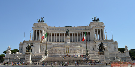 vittorio: National Monument to Vittorio Emanuele - the first King of a unified Italy - in Rome