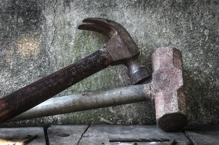 outils construction: Les outils de construction, Old hammer
