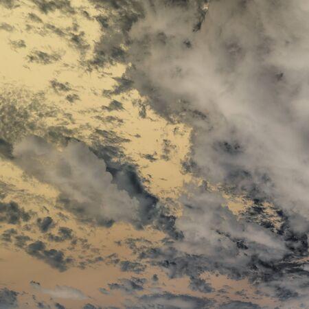 overcast: overcast sky , dark sky